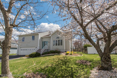 Howell Single Family Home For Sale: 18 Cattail Drive