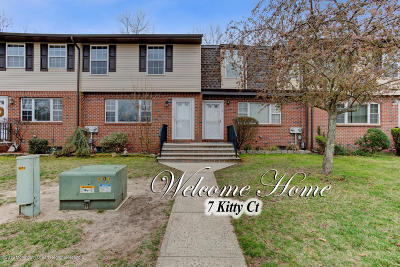 Brick Condo/Townhouse For Sale: 7 Kitty Court