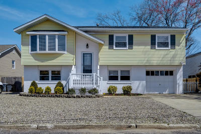 Point Pleasant Single Family Home For Sale: 1853 Northwest Drive
