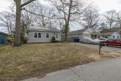Toms River Single Family Home Under Contract: 541 Martin Road