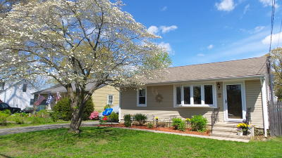 Point Pleasant Single Family Home For Sale: 2105 Foster Road