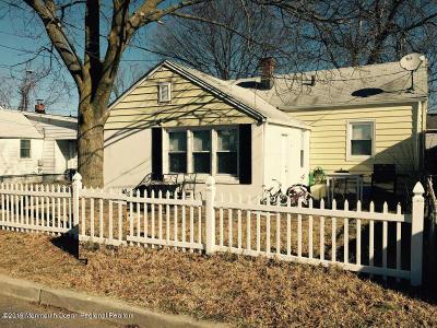 Keansburg Single Family Home For Sale: 8 Howard Avenue