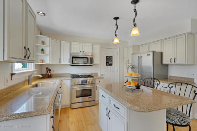 Toms River Single Family Home For Sale: 2176 Chapel Court