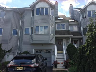 Toms River Condo/Townhouse For Sale: 312 Scarlet Court #312