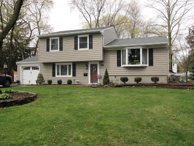 Middletown Single Family Home Continue To Show: 112 Apple Blossom Lane