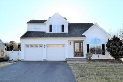 Howell Single Family Home Under Contract: 2 Muir Lane