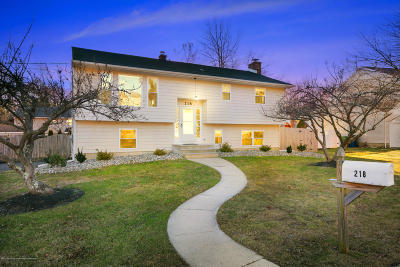 Neptune Township Single Family Home For Sale: 218 Pittenger Place
