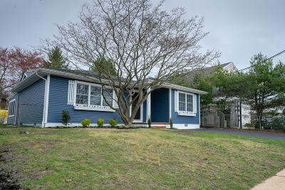 Point Pleasant Single Family Home For Sale: 1204 Treeneedle Road