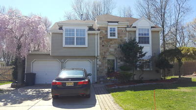 Freehold Single Family Home For Sale: 6 Kentucky Way