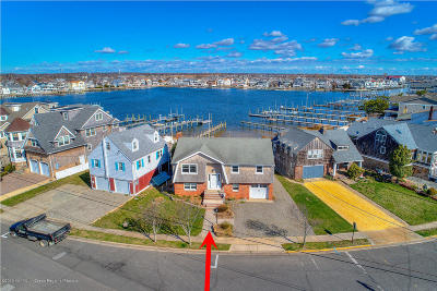Point Pleasant Beach Single Family Home For Sale: 7 Niblick Street