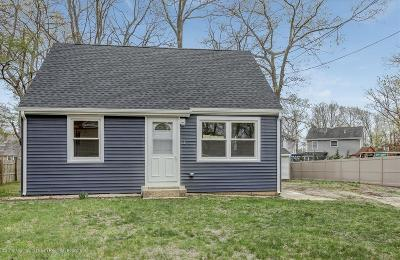 Howell Single Family Home For Sale: 446 Shady Lane