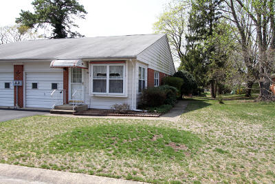 Whiting NJ Adult Community For Sale: $53,900