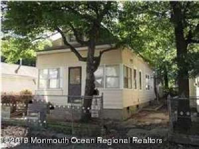 Keansburg NJ Single Family Home For Sale: $80,000