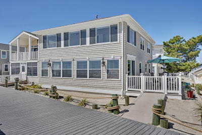 Point Pleasant Beach Single Family Home For Sale: 215 Boardwalk