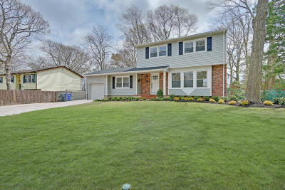 Brick Single Family Home For Sale: 74 Pineland Road