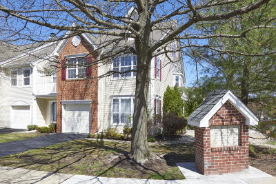 Holmdel Condo/Townhouse Under Contract: 7 Fox Meadow Lane