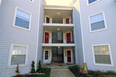 Toms River Condo/Townhouse For Sale: 2021 Waters Edge Drive