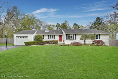Monmouth County Single Family Home For Sale: 65 Edgebrook Court
