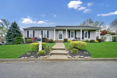 Point Pleasant Single Family Home Under Contract: 539 Summit Drive