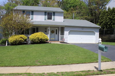 Hazlet Single Family Home Under Contract: 6 Windsor Court
