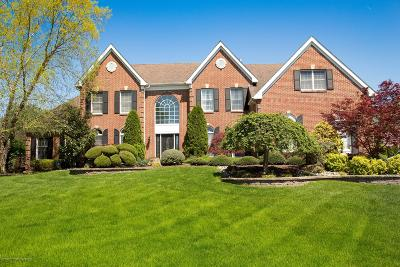 Single Family Home For Sale: 10 Round Hill Drive