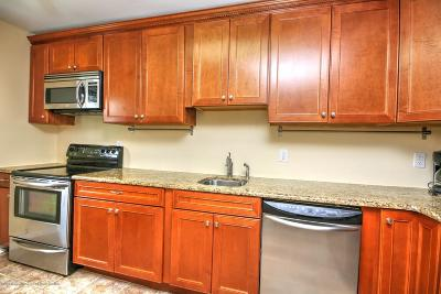 Eatontown NJ Condo/Townhouse Under Contract: $129,900