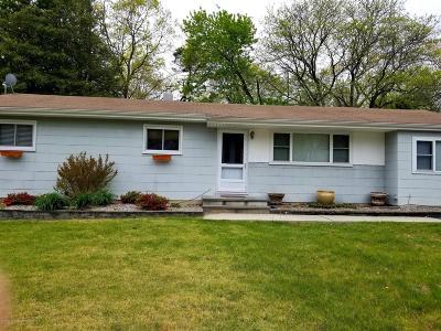 Howell Single Family Home For Sale: 43 Burton Drive