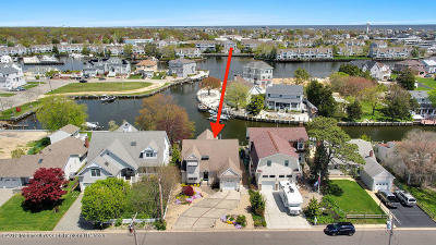 Point Pleasant Single Family Home For Sale: 1743 Bay Boulevard