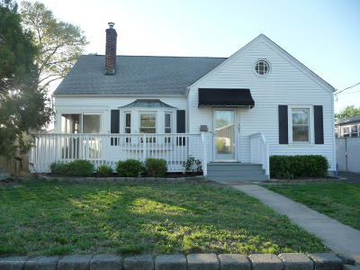 Keansburg Single Family Home Under Contract: 103 Highland Boulevard