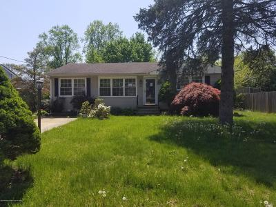 Toms River Single Family Home For Sale: 28 Leone Road