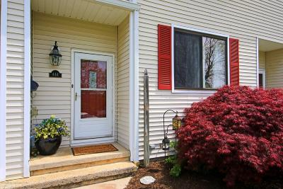 Middletown Condo/Townhouse Under Contract: 444 Middlewood Road