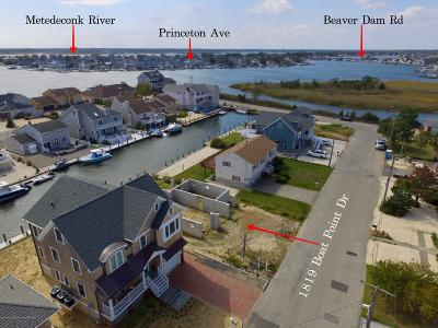 Point Pleasant Single Family Home For Sale: 1819 Boat Point Drive