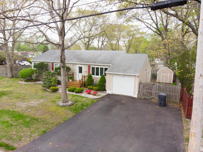 Brick Single Family Home For Sale: 81 Meridian Drive