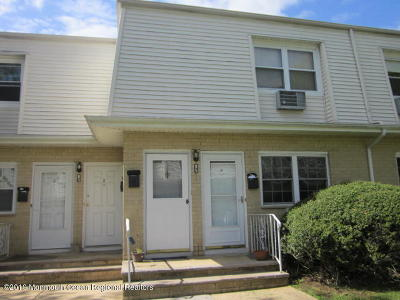 Eatontown Condo/Townhouse For Sale: 85 White Street #A