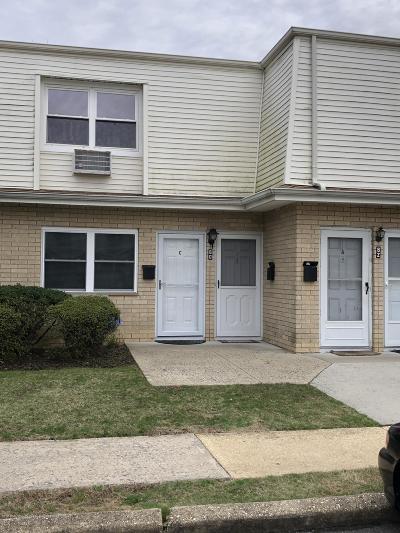 Eatontown NJ Condo/Townhouse For Sale: $59,900