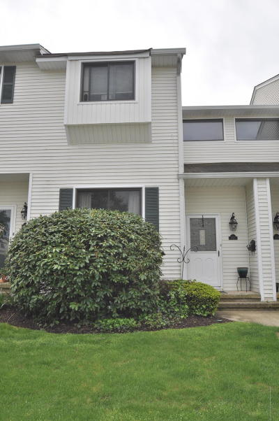 Middletown Condo/Townhouse Under Contract: 333 Middlewood Road