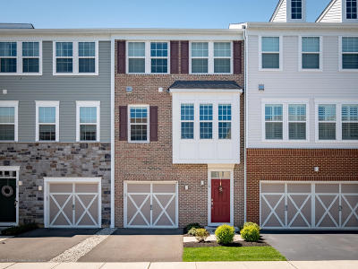 Eatontown Condo/Townhouse For Sale: 118 Waypoint Drive