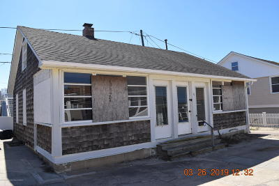 Point Pleasant Beach Single Family Home For Sale: 4 Minard Place