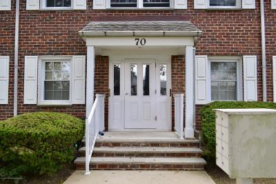 Freehold Condo/Townhouse For Sale: 66 Stonehurst Boulevard #F