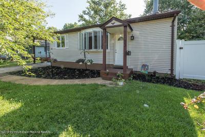 Hazlet Single Family Home For Sale: 33 Mason Drive