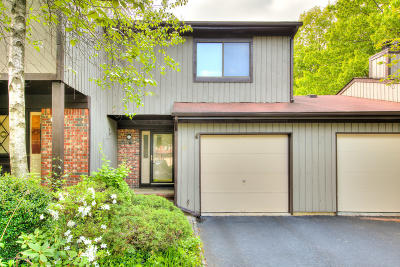 Matawan Townhouse For Sale: 55 Laurie Court