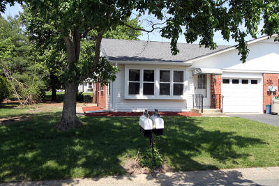 Whiting NJ Adult Community For Sale: $112,000