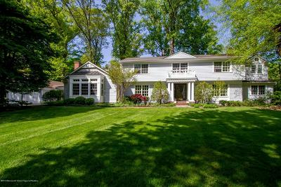 Rumson Single Family Home For Sale: 4 Clay Court
