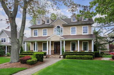 Middletown Single Family Home For Sale: 25 Demmert Avenue