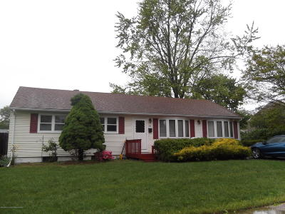 Toms River Single Family Home For Sale: 222 Carol Drive