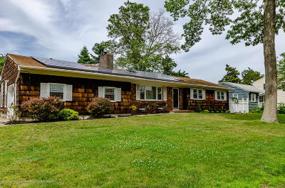 Brick Single Family Home For Sale: 708 Sycamore Drive