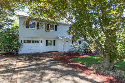 Toms River Single Family Home For Sale: 687 Northstream Drive