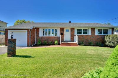 Brick Single Family Home For Sale: 112 Winchester Drive