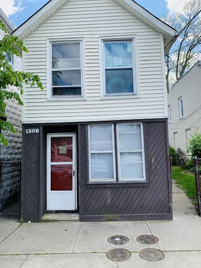 Asbury Park Multi Family Home For Sale: 1308 Springwood Avenue