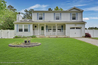 Manchester Single Family Home For Sale: 1100 Englemere Boulevard
